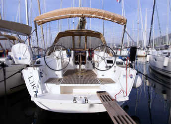 Rent a sailboat in Marina Frapa - Dufour 380 Grand Large