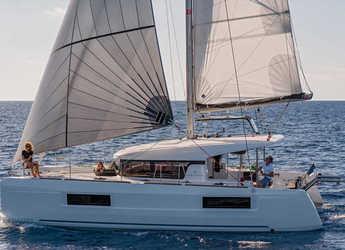 Rent a catamaran in Road Reef Marina - Lagoon 40