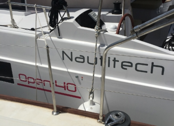 Rent a catamaran in Agios Kosmas Marina - Nautitech Open 40