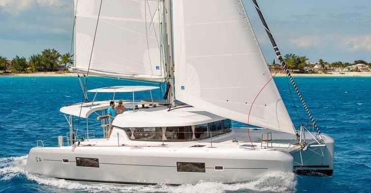 Rent a catamaran in Palm Cay Marina - Lagoon 42