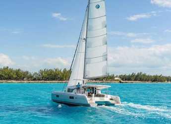 Rent a catamaran in Puerto del Rey Marina - Lagoon 420