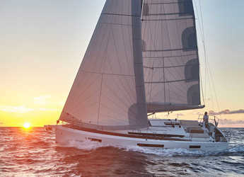 Rent a sailboat in Puerto del Rey Marina - Sun Odyssey 440