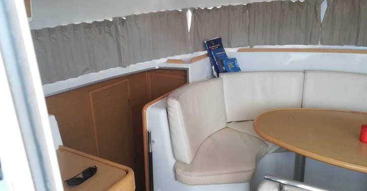 Rent a catamaran in Lefkas Nidri - Lagoon 380
