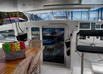 Rent a catamaran in Nanny Cay - Voyage 520