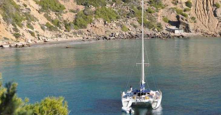 Rent a catamaran in Marina Le Marin - Lagoon 560