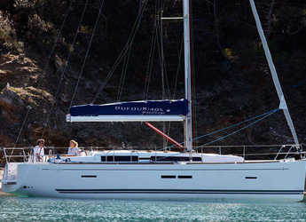 Rent a sailboat Dufour 405 Grand Large in Marina Port Pin Rolland, Port Pin Rolland