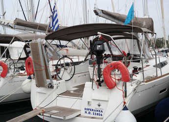 Rent a sailboat in Skiathos  - Sun Odyssey 439