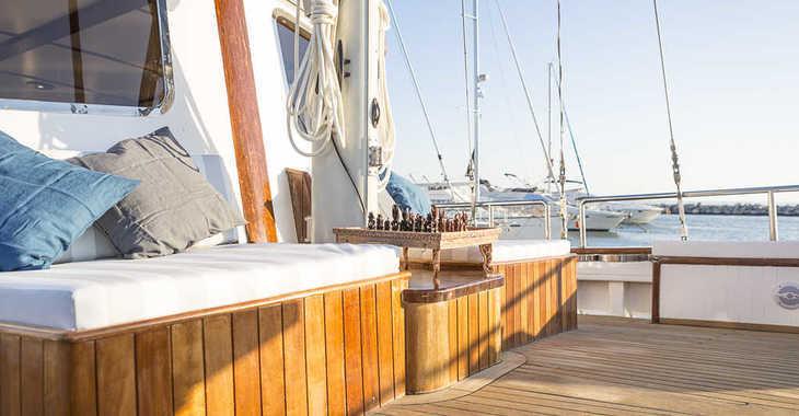 Rent a schooner in Alimos Marina Kalamaki - Gulet 81.4