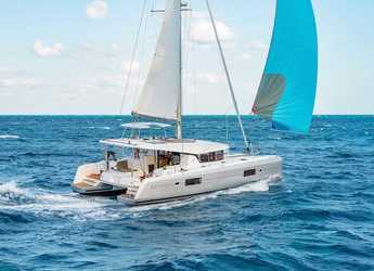 Rent a catamaran in Le Phare Bleu Marina & Hotel - Lagoon 42