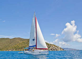 Rent a sailboat in Lefkas Nidri - Sunsail 47 (Classic)