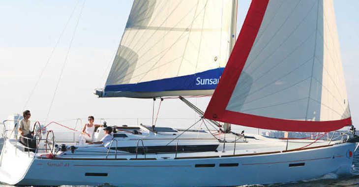 Rent a sailboat in Marina Gouvia - Sunsail 41.1 (Classic)