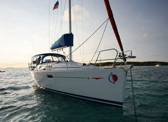 Rent a sailboat in Lefkas Nidri - Sunsail 36i (Classic)