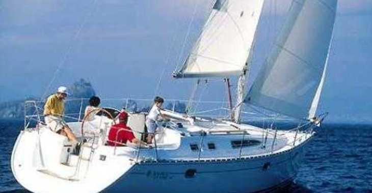 Alquilar velero Oceanis 34 en Sotogrande, Cádiz