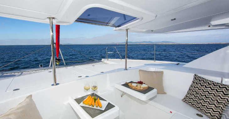 Rent a catamaran in Lefkas Nidri - Sunsail 444 (Classic)