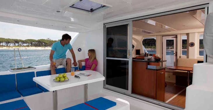 Rent a catamaran in Tradewinds - Sunsail 444 (Classic)
