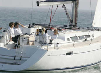 Rent a sailboat in Sotogrande - Jeanneau Sun Odyssey 42i