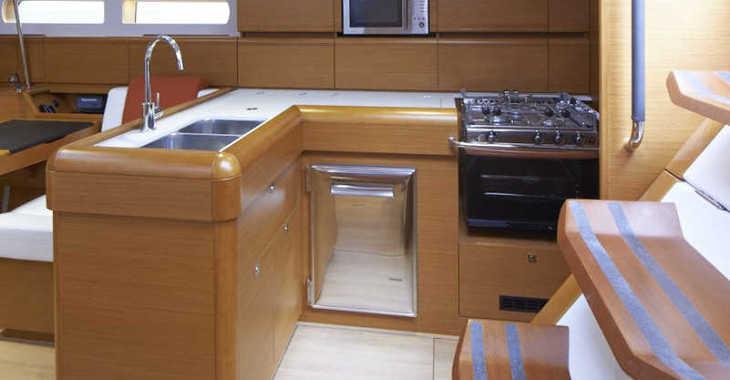 Rent a sailboat in Agana Marina - Sunsail 47 (Classic)