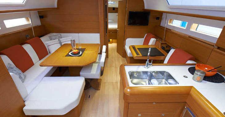 Rent a sailboat in Wickhams Cay II Marina - Sunsail 47/3 (Classic)