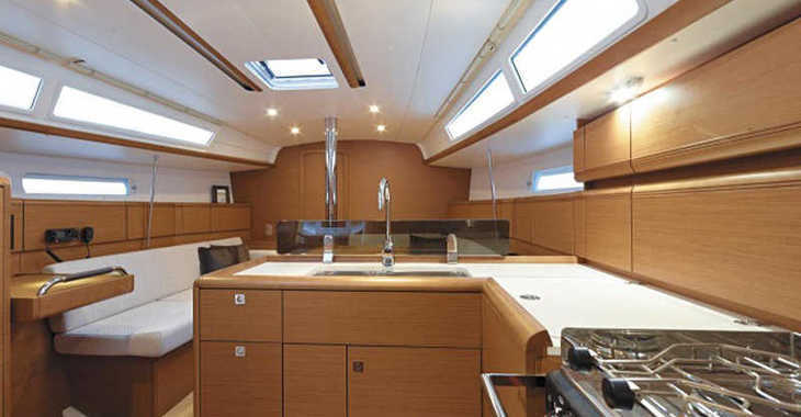 Rent a sailboat in Marina Gouvia - Sunsail 38 (Premium)