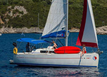 Rent a sailboat in Lefkas Nidri - Sunsail 33i (Classic)