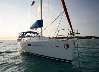 Rent a sailboat in Agana Marina - Monohull 36i Classic