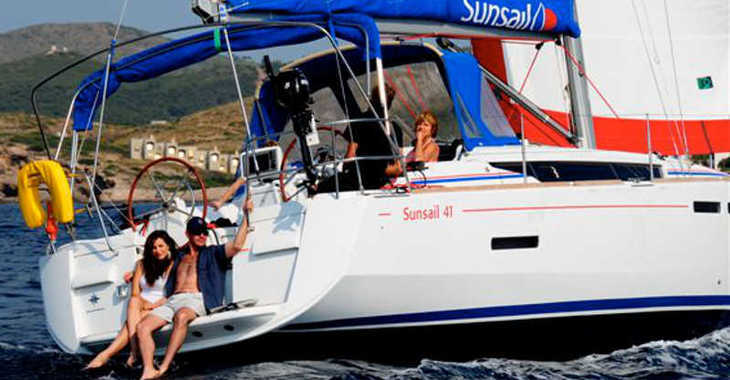 Rent a sailboat in Marina Gouvia - Sunsail 41.1 (Classic)
