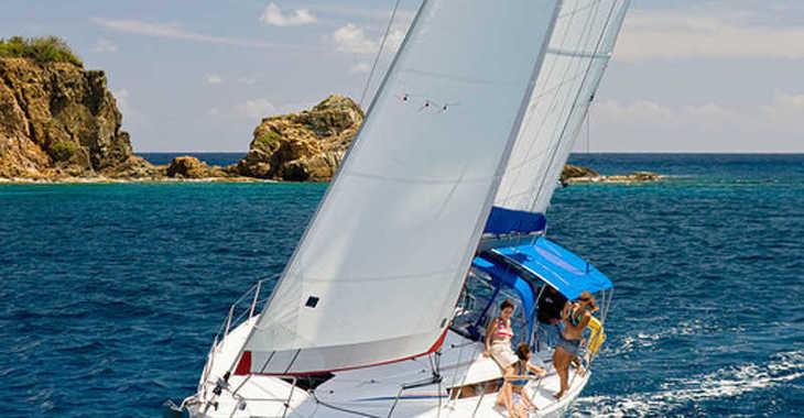 Rent a sailboat in Rodney Bay Marina - Sunsail 41 (Classic)