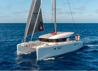 Rent a catamaran in Naviera Balear - Lagoon 400 S2