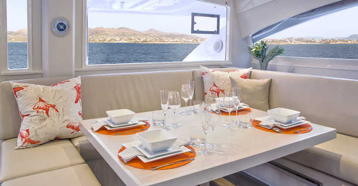 Rent a catamaran in Tradewinds - Moorings 4800 (Exclusive)
