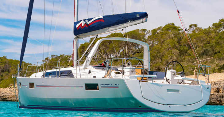 Rent a sailboat in Tradewinds - Moorings 42.1 (Exclusive)