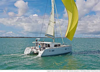 Rent a catamaran in Marina di Olbia - Lagoon 400 S2