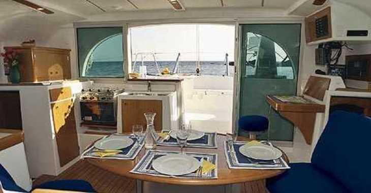 Alquilar catamarán en Marina Solila - Lagoon 380