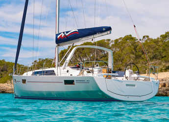 Rent a sailboat in Port Louis Marina - Moorings 42.1
