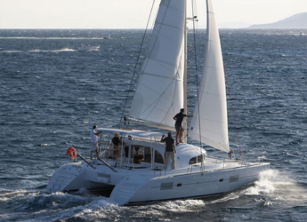 Alquilar catamarán en Naviera Balear - Lagoon 380
