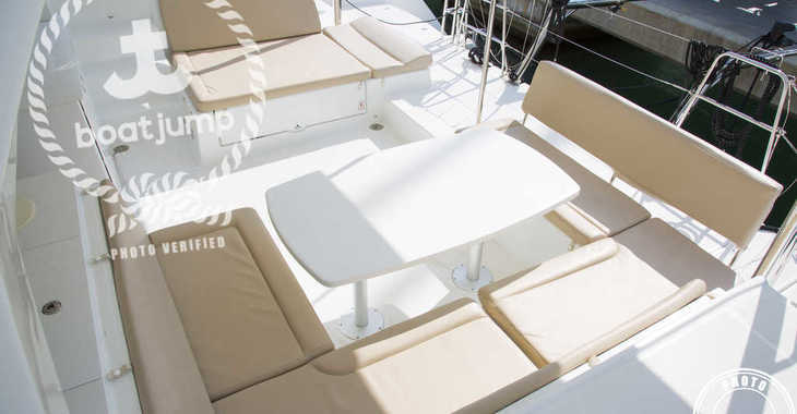 Rent a catamaran in Naviera Balear - Lagoon 450