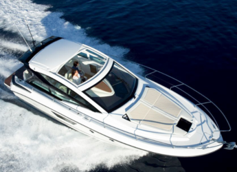 Rent a motorboat in Port of Santa Eulària  - Beneteau GT 40