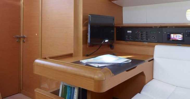 Rent a sailboat in Marina Skiathos  - Sun Odyssey 519