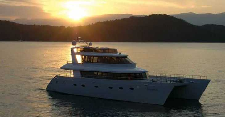 Rent a power catamaran  in Palm Cay Marina - Tri-deck Power Cat 80