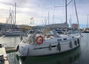 Rent a sailboat in Puerto Deportivo Tomas Maestre - Bavaria 32 Cruiser