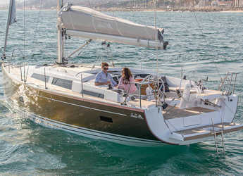 Rent a sailboat in Puerto Deportivo Tomas Maestre - Hanse 388