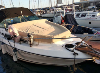 Chartern Sie motorboot in Marina del Sur. Puerto de Las Galletas - Sea Ray 23