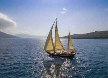 Rent a schooner in Matejuska port - Providenca