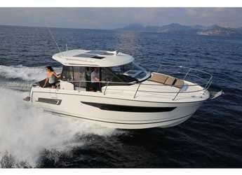 Rent a motorboat in Marina Kastela - Jeanneau Merry Fisher 895
