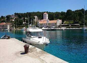 Rent a motorboat in Split (ACI Marina) - Beneteau Antares 7.80
