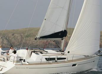 Rent a sailboat in Port d´Alcudia/Port de Alcudiamar Marina - Sun Odyssey 36i