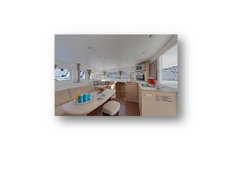 Rent a motorboat in Agios Kosmas Marina - Lagoon 400 S2