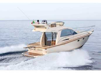 Rent a motorboat in Marmaris - Portofino 38 Fly