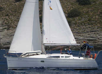 Rent a sailboat in Ece Marina - Sun Odyssey 32