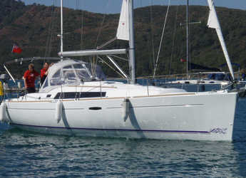 Rent a sailboat in Ece Marina - Oceanis 37