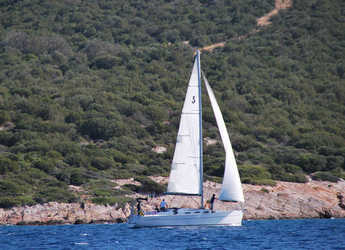 Rent a sailboat in Ece Marina - Cyclades 39.3